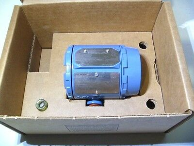 Rosemount 3144P D1A1E5M5 4-Wire Display Temperature Transmitter 2013 NEW IN BOX