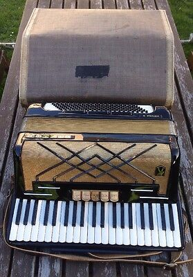 Hohner Virtuola III Accordion With Case - Spares & Repairs / Not working