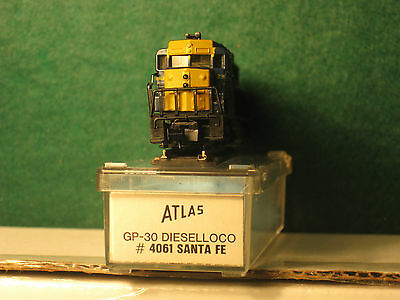 N Atlas GP 30 Santa Fe ATSF DC powered OB mint condition