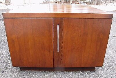 LANE MID CENTURY WALNUT END TABLE / CABINET side TV Stand storage