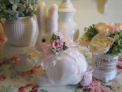CoLLecTiBLe SHABBY PINK ROSES EasTer BuNNy RaBBiT