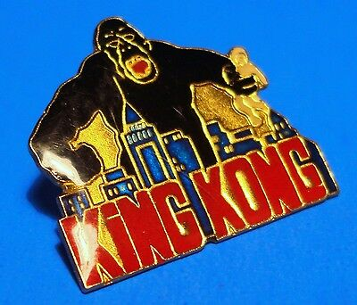 King Kong Movie - New York Skyline - Vintage Lapel Pin - Hat Pin - Pinback - # A