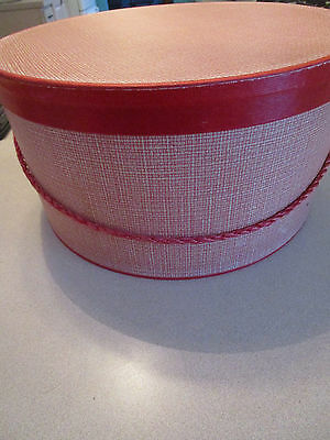 """Vtg RED Houndstooth Paper Hat Box 14""""  w/Cording Handle"""