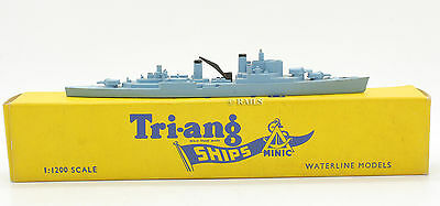 Tri-Ang Ships Minic 1:1200 Scale M762 H.m.s Superb Warship