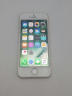 Used, iPhone 5s Carrier Locked to Bell - Gold Color with 32GB Memory