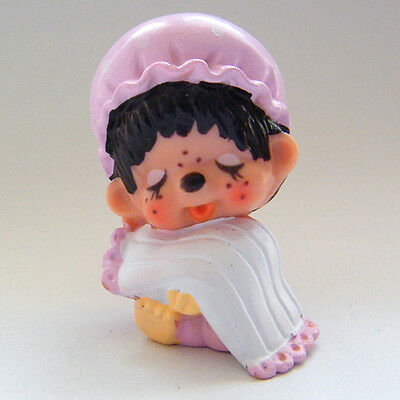 Vintage MONCHHICHI Girl in Pink Night Dress & Cap Sleeping PVC Figure 1 1979
