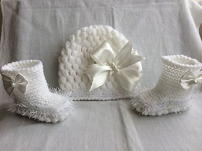 hand knitted  baby girl booties/ crochet hat 0-3 months