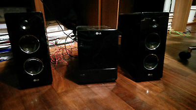 LG FA162 Sistema Home Audio, Potenza 2x80W, Lettore CD, MP3, USB, Nero
