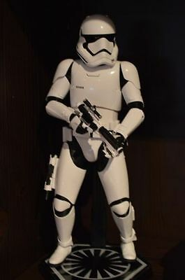 HOT TOYS Star Wars: The Force Awakens FIRST ORDER STORMTROOPER