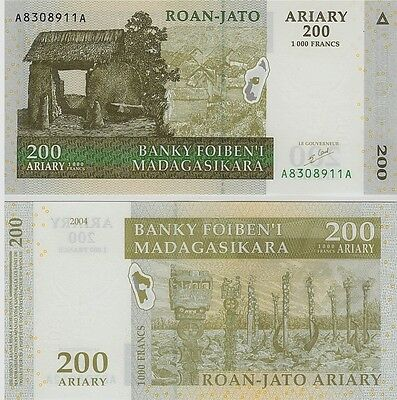 Madagascar   200 Ariary  2004    P-87,  Unc  Banknote  Africa