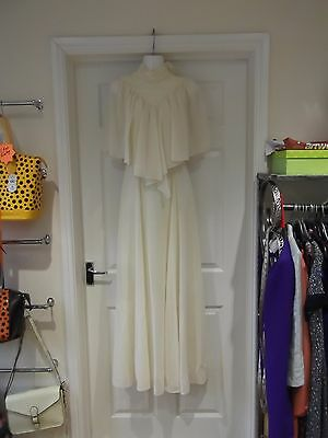 Vintage Wedding Dress Long Length High Neck Zip Back with Veil in Ivory Size 8