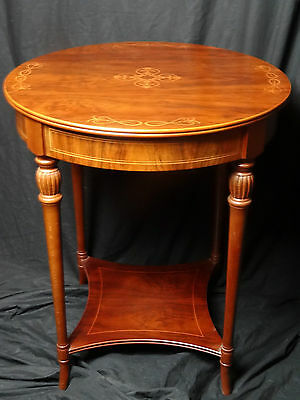 French Regency Style Fine Walnut Marquetry Inlaid Round Centre Table