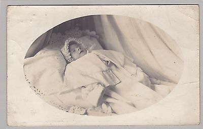 Antique Post-Mortem Photo Of Little Baby - Frilly Bonnet - Mourning - Funeral