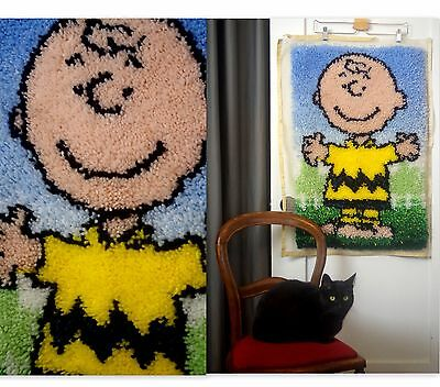 "Charlie Brown Peanuts Gang Latch Hook Rug Wall hanging Decor COMPLETED 30"" x 20"""