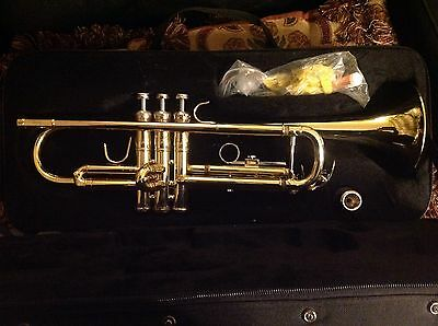 Bb Trumpet - Venus TR321G, with Mouthpiece and Case, in Unusually Good Condition