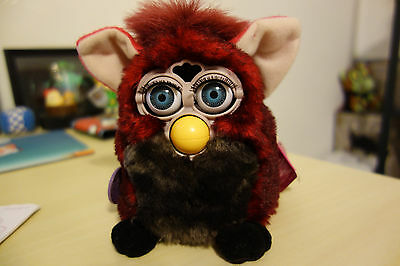 1998 Tiger Electronics 70-800 Furby Red & Black Grey Eyes Tested Works Great!