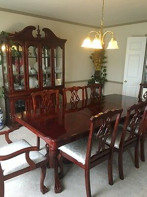 Formal double pedestal Dining Table Set For 6 or 8 People With China Hutch *LOOK