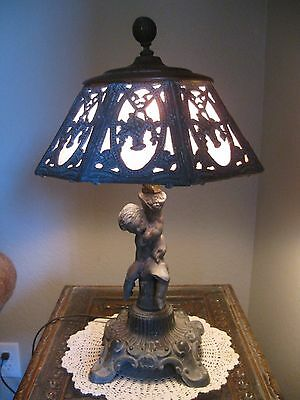 Beautiful Figural Cherub Antique Arts and Crafts Rare Pink Slag Glass Table Lamp