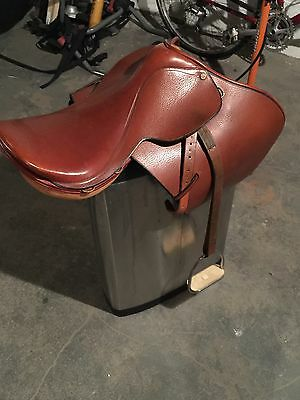 """17.5"""" English Saddle ~ Includes Extras ~ Made In Argentina Beautiful"""