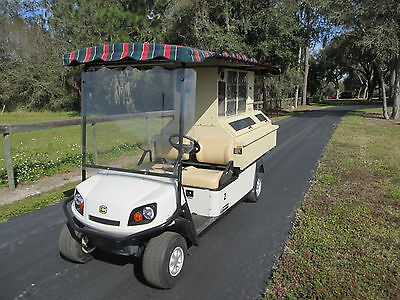 2012 Cushman Refresher 2000 Concession Golf Cart