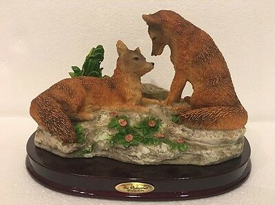 """2 Red Fox Foxes Sculpture Hand Painted Figurine 9"""" x 6¾"""" The Juliana Collection"""