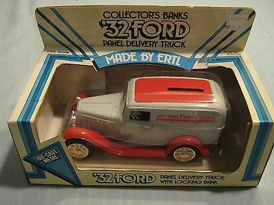 MIB ERTL 1932 FORD PANEL DELIVERY TRUCK WITH LOCKING BANK Ben Franklin 1986