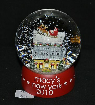 ThriftCHI ~ Macy's New York 2010 Christmas Holiday Snowglobe