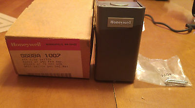 New Honeywell S688A 1007 Air Flow Switch