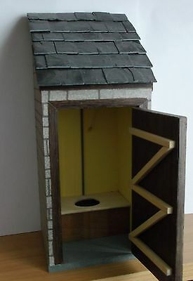 Dolls House 1/12Th Scale Outside Toilet