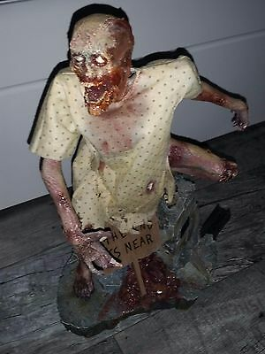 Undying Carcass Statue Sideshow