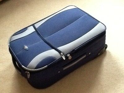 ��⛴ 23 Inch  Expandable  Suitcase On Wheels.  Used  Once.  ����