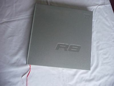 - The Audi R8 Hardcover Owner´s Book