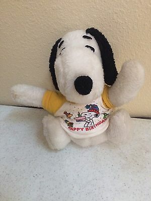 Vintage Stuffed Snoopy(Peanuts Character) United Feature Syndicate, Inc.