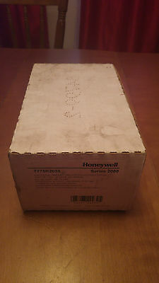 New Honeywell T775R2035 Electronic temperature controller