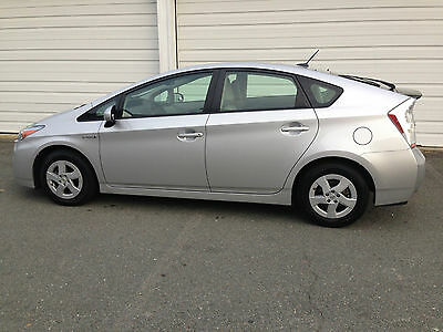 2011 Toyota Prius Premium Hatchback 4-Door Level II Trim--extremely efficient vehicle