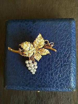 BROCHE GRAPPE RAISIN OR 18K  et PERLES DE CULTURE