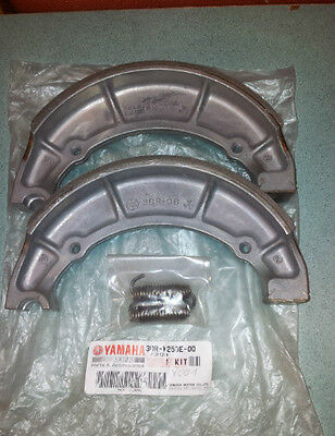 Genuine Yamaha Rear Brake Shoes With Springs.virago Xv535 Xv750 Xv1000 Xv1100