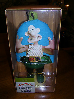 Wallace & Gromit The Wrong Trousers Egg Cup and Cosy M & S