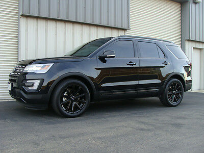 2016 Ford Explorer Limited Sport Utility 4-Door 2016 Ford Explorer LIMITED, Black/Black, Blacked out - LOADED -LOW MILES,PERFECT