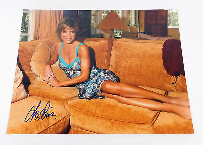 Lisa Rinna Signed 11 x 14 Color Photo Pose #5 Auto