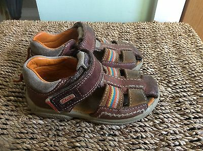 Boys Clarks Leather Sandals Size 5