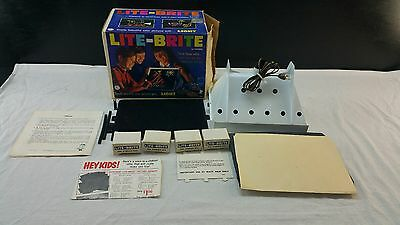VINTAGE 1967 LITE BRITE LIGHT BRIGHT TOY IN BOX HASBRO BOXES FULL OF Pegs WORKS