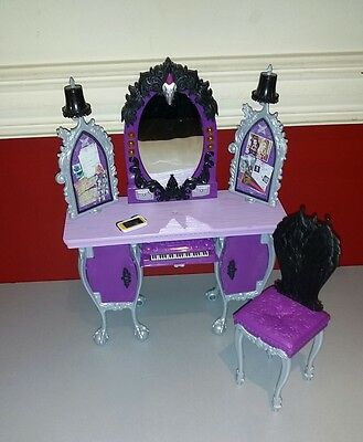 Ever After High Raven Queen Dressing Table