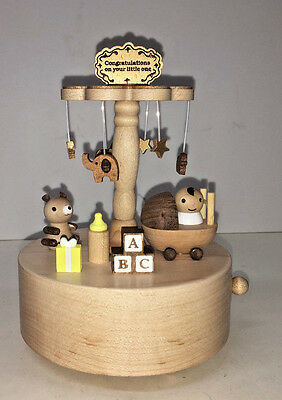 Wooderful Life Wooden Music Box / Congratulations on Your Little One Cloud Mobil