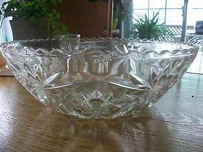 Vintage Early American Prescut Anchor Hocking Salade Bowl