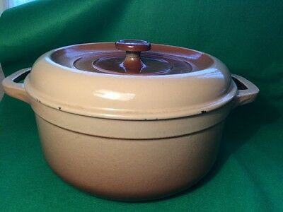 Large Cast Iron Casserole Fontignac 25. Made in France.