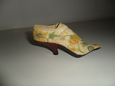 'Just The Right Shoe' ornamental collectable minature shoe