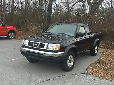 1999 Nissan Frontier  Well maintained 1999 NIssan Frontier V-6 4x4 King Cab with upgrades