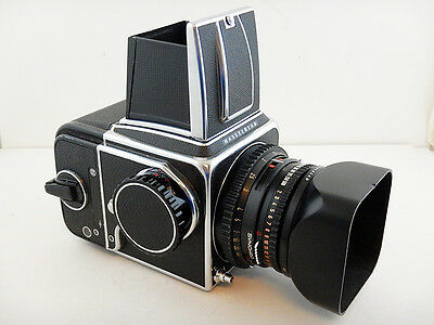 Hasselblad 500 CM Body + Planar 80mm f2.8 T* + PARALUCE Lens Hood Viewfinder