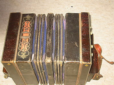 Very old, small Concertina Bandoneon Bandonion Accordion 16/22 buttons